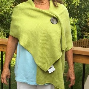 Riverton Wrap Green with large decorative buttons